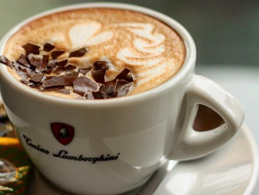 Ezüsthíd Kávézó
